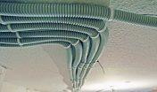 Монтаж кабеля в гофротрубе