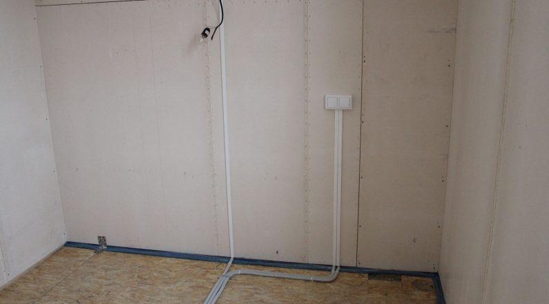 Подведение линий к розеткам и выключателям